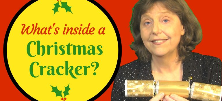 what's inside a Christmas cracker